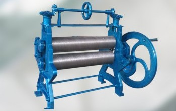Manual rubber sheeting roller machine